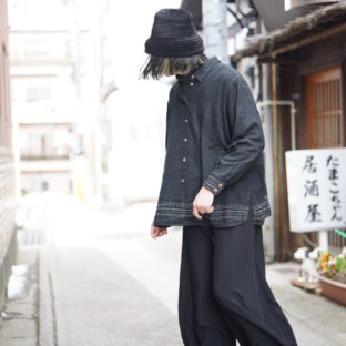 【Atozome】stitch design black shirt