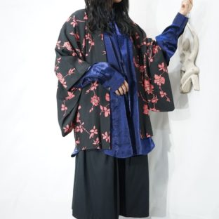 Japanese vintage flower pattern black haori *