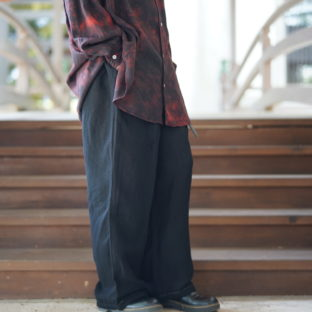 【Atozome】sheer cloth wide 2tuck slacks
