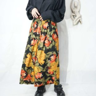 dark tone full flower pattern many tuck rayon hakama pants *