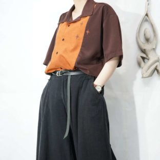 brown × brick color twinkle embroidery open-collar shirt