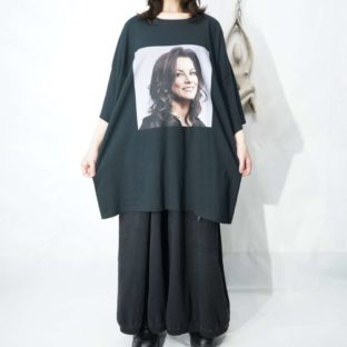 oversized unknown woman print tee *