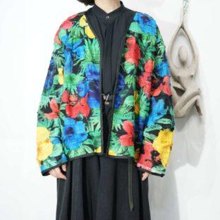 black base multi color flower pattern tsugihagi jacket *