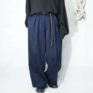 monster oversized blue base pattern stripe tuck wide slacks *