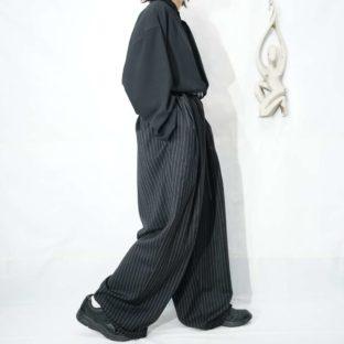 monster oversized black base white & yellow stripe 2tuck wide slacks *