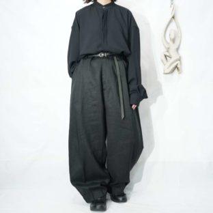 monster oversized black linen tuck wide slacks *