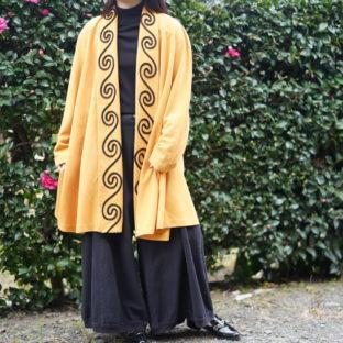 mustard color swirl embroidery haori coat *