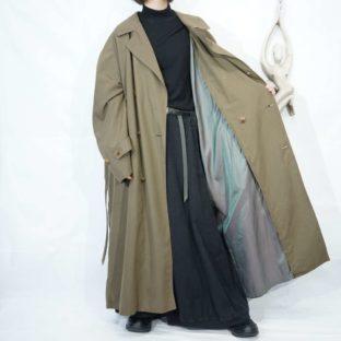 oversized iridescent lining balmacaan coat