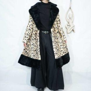 【Ladies】black × leopard switching fur coat
