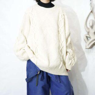 loose silhouette fisherman design knit