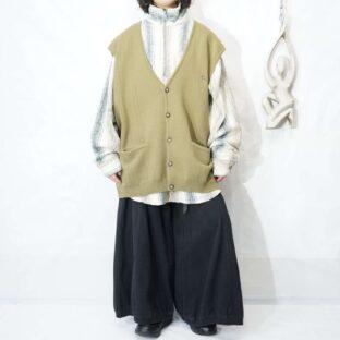 oversized khaki beige front button knit vest *