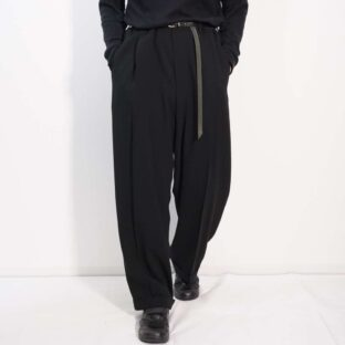 【GIORGIO ARMANI】beautiful drape silhouette black deep tuck slacks