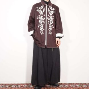 brown × white flower embroidery jacket