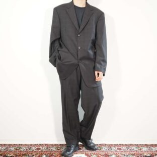 【HUGO BOSS】loose silhouette black × red check set up