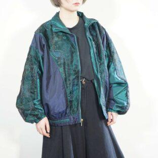 glossy green × navy layer paisley pattern blouson