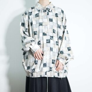 art block pattern pullover shirt