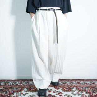 pure white color glossy stripe 2tuck wide slacks