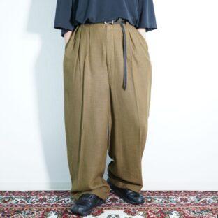 dusty brown color multi tuck wide slacks