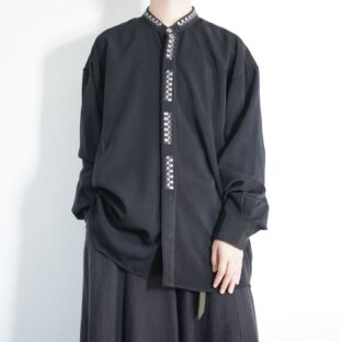 mode black × monotone flyfront embroidery shirt